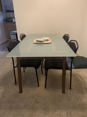 Ikea Glass top kitchen table for Sale in Anaheim, CA