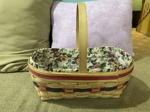 Longaberger basket with liner and plastic liner for Sale in Pennsburg, PA