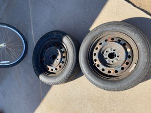 2 Michelin 215 60r 16 x-tour tires 215/60/16 2007 Toyota Camry for Sale in Phoenix, AZ