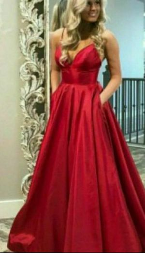 Size 14-16 red ball gown beautiful dress wedding party for Sale in Alexandria, VA