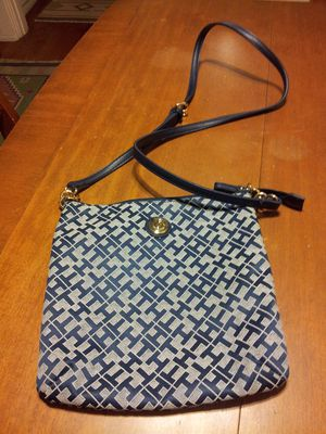 Tommy Hilfiger crossbody new for Sale in San Diego, CA