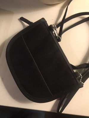 Small bag wallet crossover NNTS for Sale in Davenport, FL