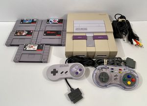 Super Nintendo SNES (SNS-001) Console Bundle With 5 Games for Sale in Enumclaw, WA