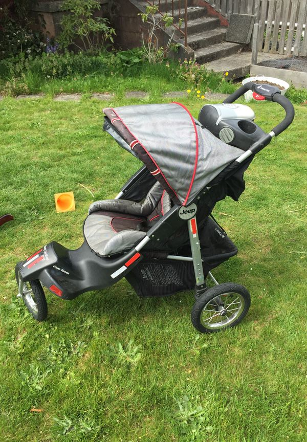 Jeep Liberty Limited Urban Terrain 3-wheel stroller for ...