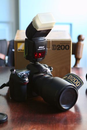 Nikon D200 w/ 70-300mm lens for Sale in San Jose, CA
