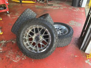 Gmc Chevy 2500 Rims Moto metal 20x10 -18 offset 8x180 for Sale in Pompano Beach, FL