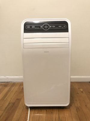 insignia Portable window air conditioning, fan and dehumidifying unit. for Sale in New York, NY