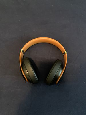 beats studio 3 wireless midnight edition for Sale in Escondido, CA