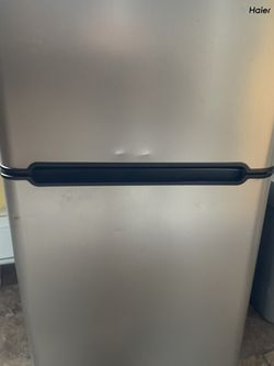 Haier Mini Refrigerator Freezer Combo for Sale in Somerdale,  NJ