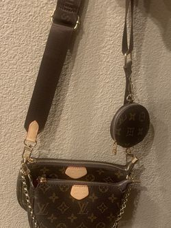 Cross Body Bag for Sale in Fresno,  CA