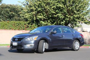 ** NISSAN ALTIMA 2013 ** SECOND OWNER ** CLEAN TITLE for Sale in Buena Park, CA