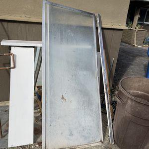 Free 🚿 Shower Door for Sale in San Luis Obispo, CA
