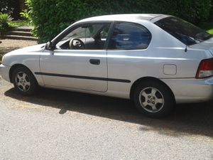 Hyundai Accent 36 mpg! for Sale in West Linn, OR