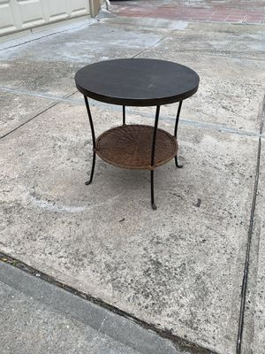 """Small Round accent table 20"""" round for Sale in Brooklyn, NY"""
