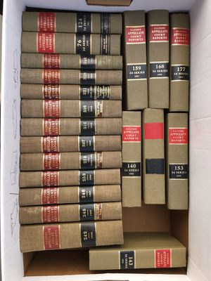 Vintage Illinois Law Books - 1913 to 1989 for Sale in Bloomingdale, IL