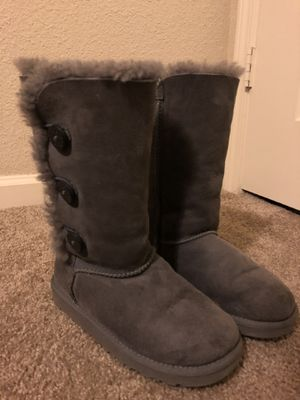 GREY UGGS for Sale in Austin, TX