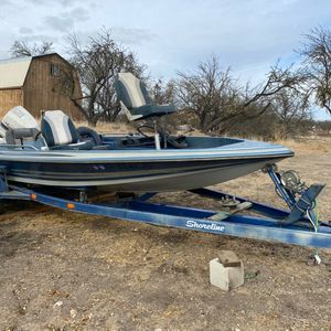 85 Winner Tournament Bass Boats/trailer for Sale in Paso Robles, CA