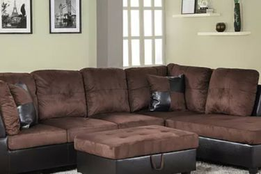 New Sectional with Storage Ottoman for Sale in SeaTac,  WA