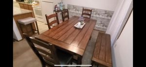 Beautiful dining room table for Sale in Minnetonka, MN