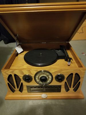 Antique record player/CD player/radio excellent condition for Sale in Germantown, MD