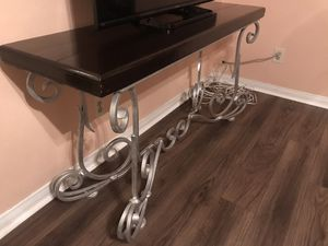 Iron/Wood Enter Table for Sale in Bloomington, CA