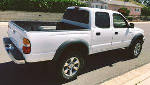 Fantastic truck, runs great. TOYOTA TACOMA 2003 for Sale in Phoenix, AZ