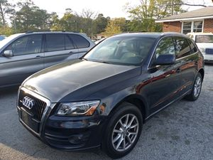 2009 AUDI Q5 FOR SALE RUN AND DRIVE GOOD WITH LEATHER SEATS AND SUNROOF WITH NAVIGATION SYSTEM BACK UP CAMERA 157000 MILES for Sale in Decatur, GA