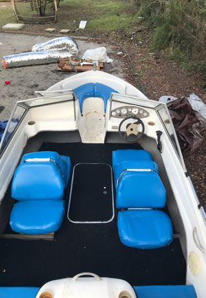 2004 bayliner indoor boat for Sale in New Port Richey, FL