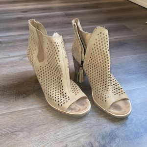 Women's Size 9.5Toms Open Toe Bootie Heel Boots Shoes for Sale in Bloomington, IL