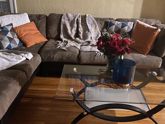 Sectional And Table for Sale in Chicago,  IL