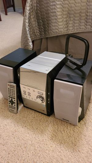 Panasonic SA-PM29 home stereo system with built-in 5 CD changer for Sale in Fowler, CA