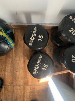 Dumbbells 15 pounds and 30 pounds sets for Sale in Miami Beach, FL