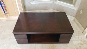 Beautiful unique coffee table for Sale in Gulf Breeze, FL