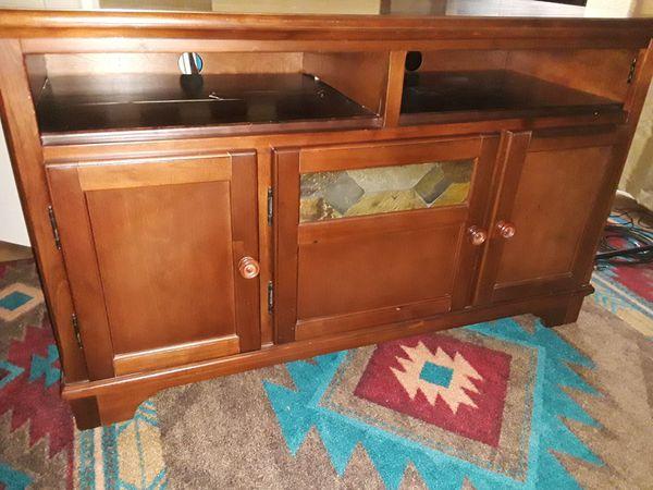 Media storage cabinet