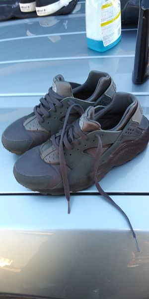 Nike Huaracha 6.5 mens shoes for Sale in Colorado Springs, CO