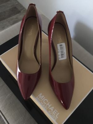 MICHAEL KORS NEW NEVER USED SIZE 71/2 for Sale in Las Vegas, NV