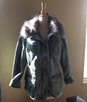 American Eagle Girls Parka Jacket with faux fur collar XLG for Sale in Monterey Park, CA