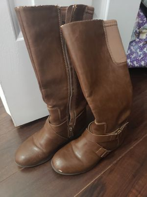Girl none west boots. Size 1 1/2 for Sale in Miami, FL