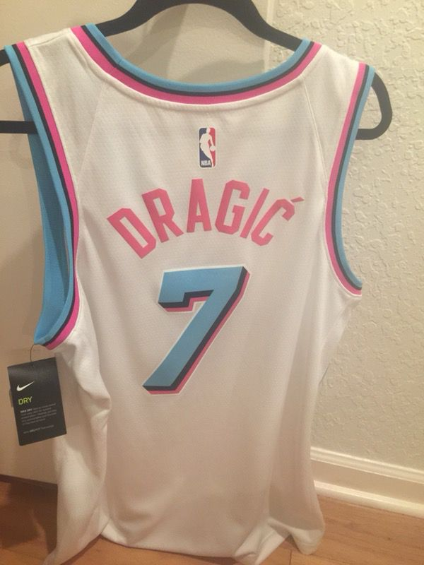 0cd6ab30c Miami Heat Vice City Edition Goran Dragic Jersey Large for Sale in ...