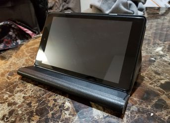 Amazon Fire Tablet 8 HD w/ Wireless Keyboard - Like New for Sale in Sully Station,  VA