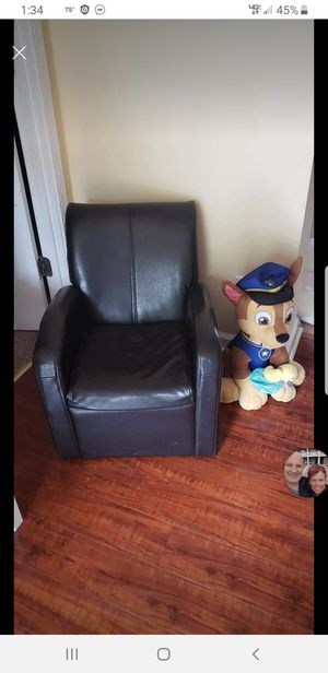 Kids / toddler leather chair for Sale in Moyock, NC
