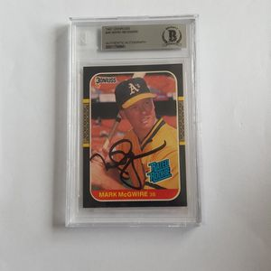 Mark McGwire 1987 Donruss Autographed Rookie Baseball Card for Sale in Marietta, GA