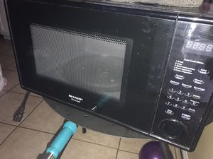 Microndas/microwave for Sale in Los Angeles, CA