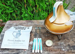 Hershey fondue chocolate dessert fondue set ! for Sale in Saginaw, MI