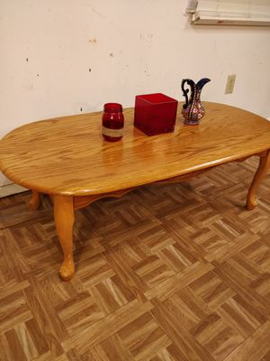 """Like new wooden table in great condition, pet free smoke free. L48""""*W24""""*H16"""" for Sale in Annandale, VA"""
