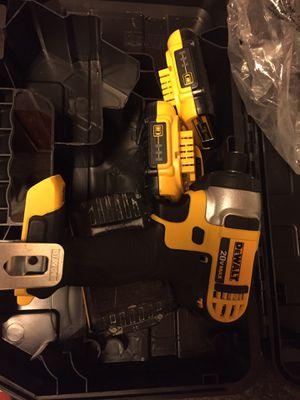 Drill de impacto , cargador y 2 baterías nuevo! for Sale in Herndon, VA