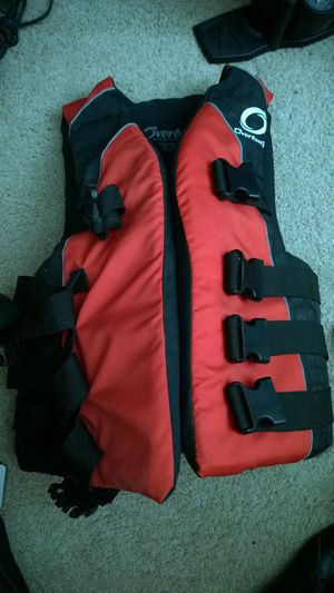 Overton's beach life jacket adult small / medium for Sale in Orlando, FL