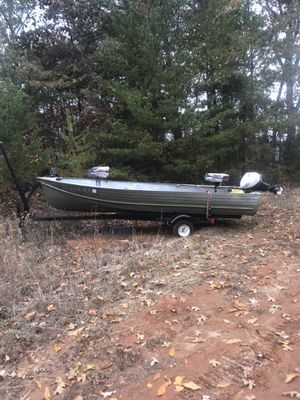15 foot aluminum boat for Sale in Cumming, GA
