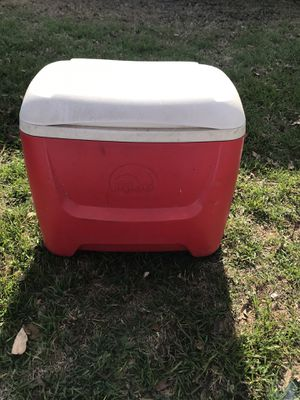 Cooler for Sale in Gatesville, TX