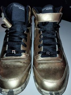 Men's Gold/Camo Reebok With Strap Sneakers Size 10 for Sale in Prospect Park,  PA